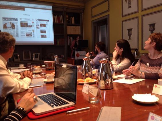¡Buenos días! Empezamos una nueva sesión de #elcanotalks. Nuestra invitada, @CarmelaRios. Hablamos de redes sociales. http://t.co/XUIHOJ5wHh