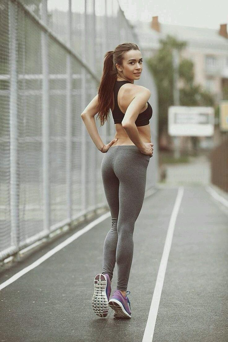 "YOGA PANTS HUB! on Twitter: ""Long legs in tight #yogapants ..."