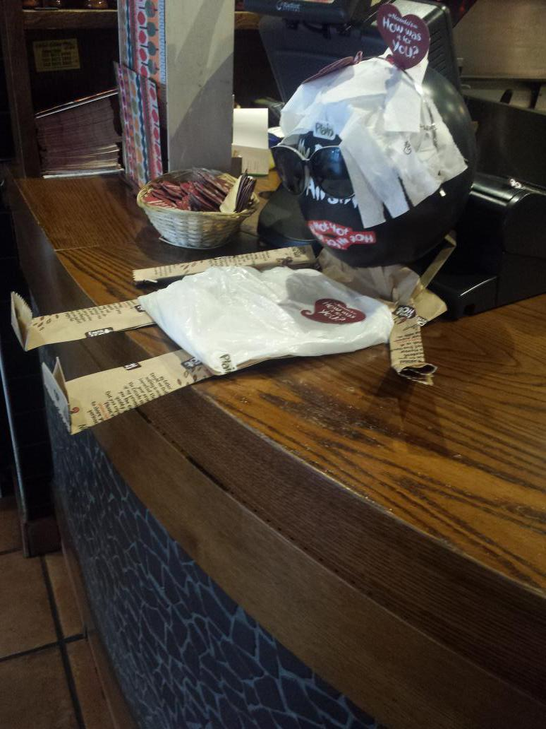 So I stepped in @NandosUK and saw this.... http://t.co/I9Mwr3cepm