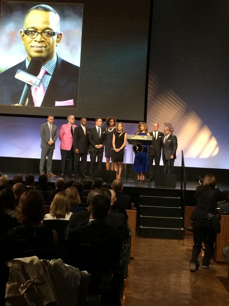 9 SportsCenter anchors pay an Emmy tribute to Stuart Scott http://t.co/aburYHMorx