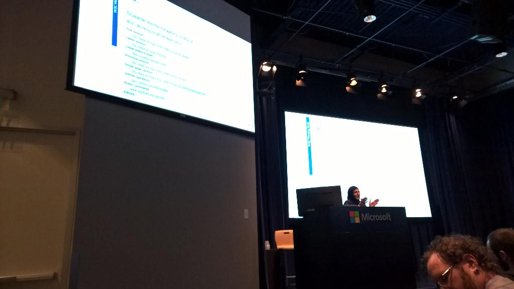 Talk about #svg by @sarasoueidan (@codrops contributor) at #Microsoft Edge web summit. Nice to see her ! http://t.co/LWTJnO8Lpa