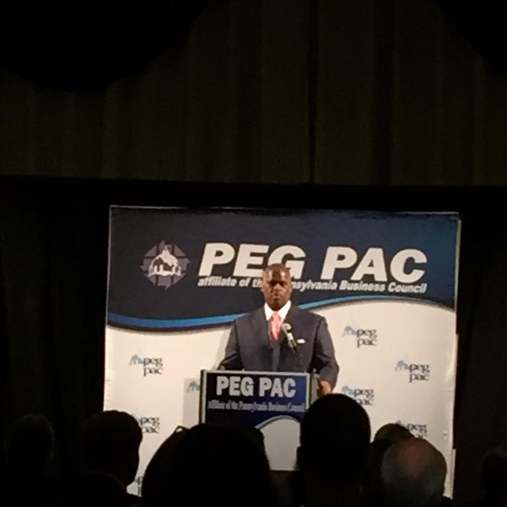 The American people say [about congress] throw the bums out but not my bum @cvpayne #pegpacdinner http://t.co/zWNBI0XIAX