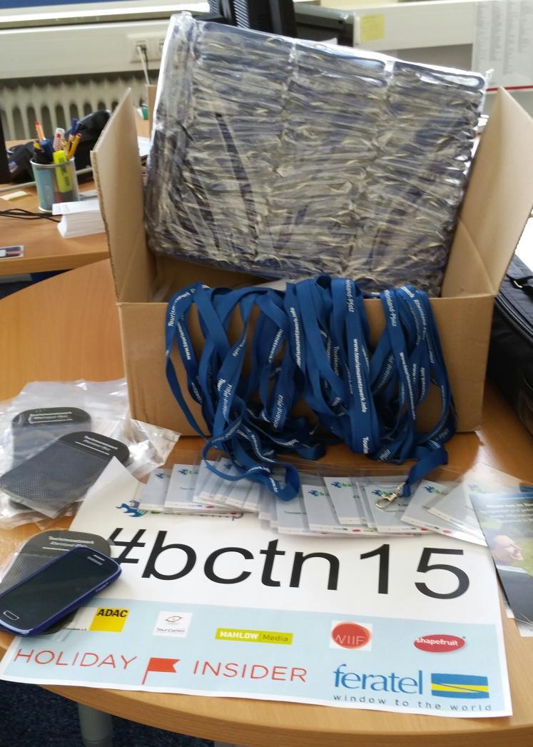Das Barcamp #bctn15 kann kommen. Auto packen, aufbauen, die ersten beim Get together heute treffen 😃 ICH FREU MICH! http://t.co/C7cmsqf99I