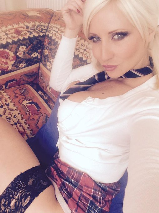 Filming my clips come and watch now live on #adultwork  http://t.co/SX3S0ULu58  #Collegegirls #jenniferjade