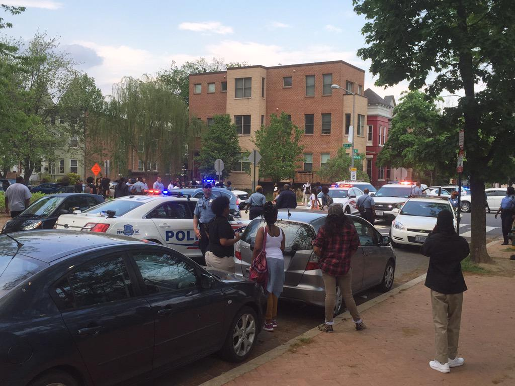 DC Police making arrest right now outside Dunbar High School after fight breaks out. http://t.co/LDp5N9Xeji