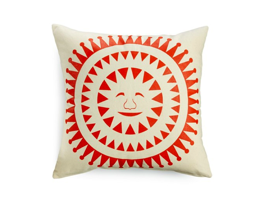 #PRIZE We love our Sun Face Printed Cushion for #MothersDay. Who would you gift it to & why? Enter w/ #Moms4Haiti! http://t.co/fNA4KEiVq7