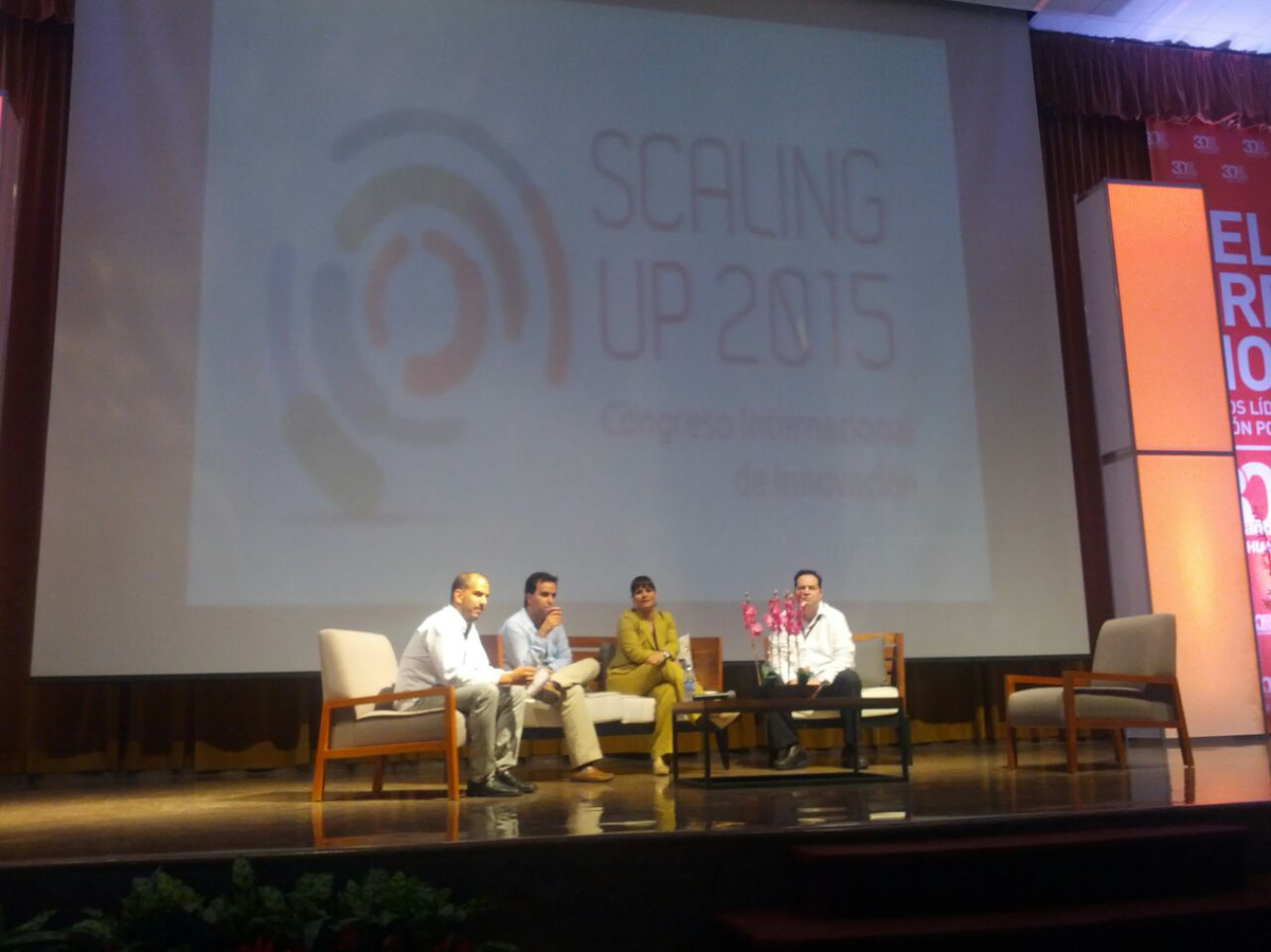Mesa panel fondos de inversión con @Atortajada @hernanAVM y Raul Peraza de @nafinsa. Moderador @pvilla #ScalingUp2015 http://t.co/VktdvCte0Z