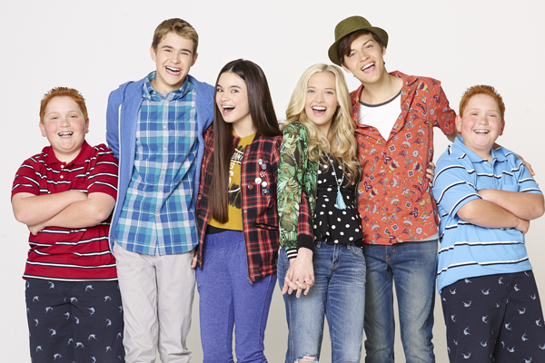 How cute is the cast of #BestFriendsWhenever? http://t.co/fjvSnVc89B http://t.co/cjJxV9crbb