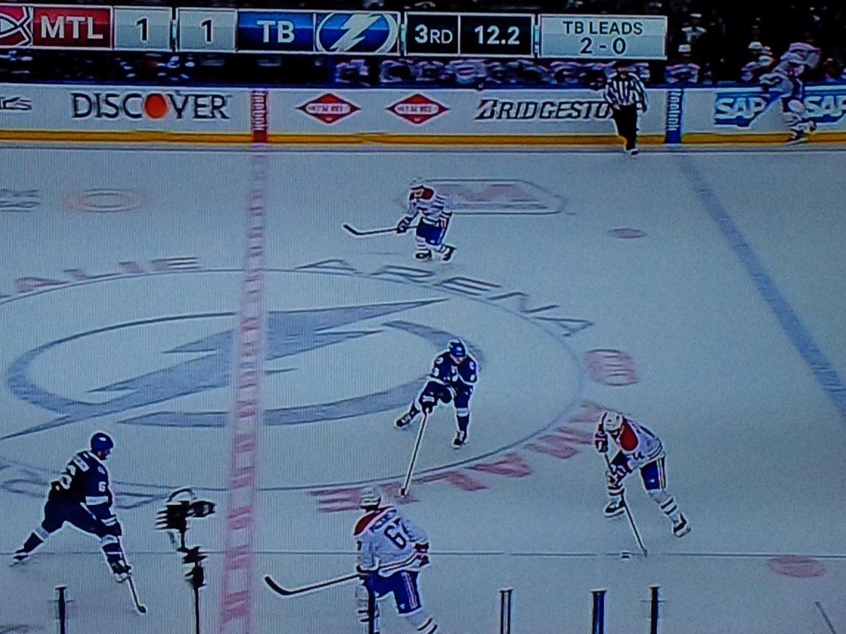 Incredible. Habs control puck w/ 12 seconds to go. Approach centre. They LOSE game. http://t.co/BgfWpSyAeF