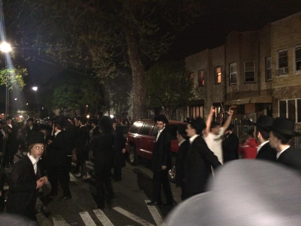 The non Jewish neighbors joined the dancing for #LagBaOmer http://t.co/PGS2nm01gh