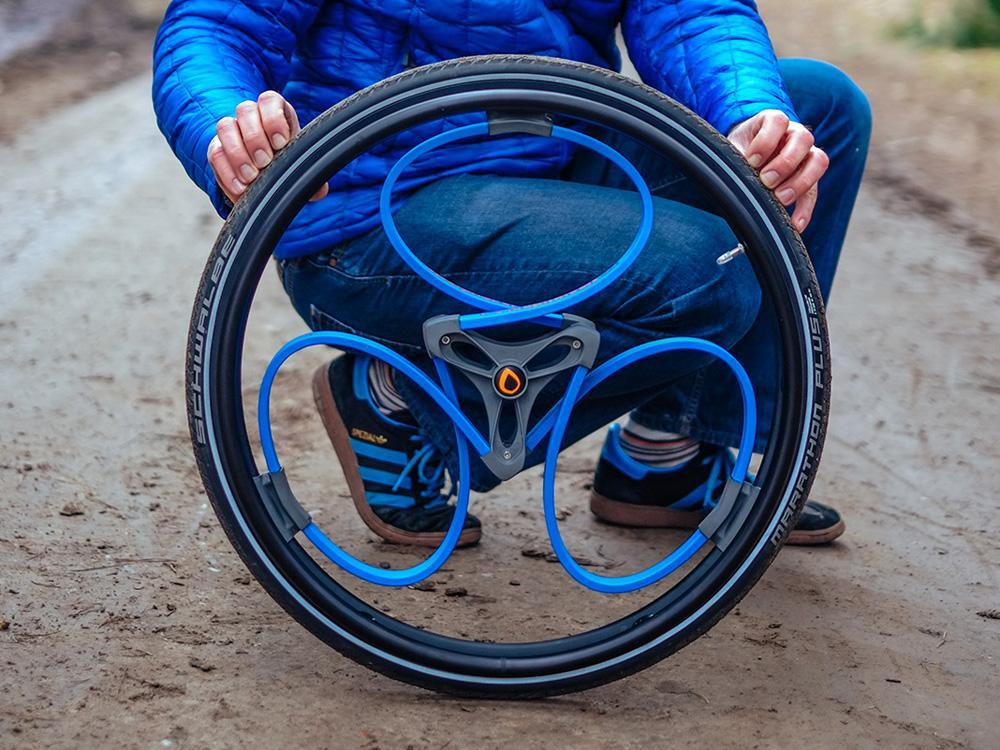 イギリスのデザイナーが考案した、スポークを使わない衝撃吸収型の車輪「ループホイール」。そのインスピレーションの源とは、なんだったのか。(連休中のアクセス1位) wired.jp/2015/05/06/cle… pic.twitter.com/1wHjxhu0WU