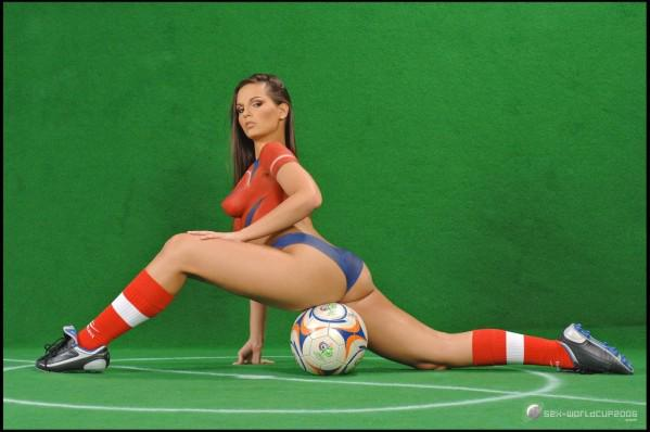 girls Body painting soccer