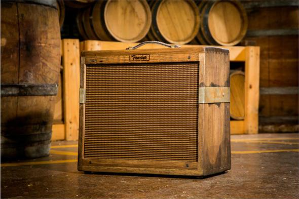 Fender Blues Junior made from old whiskey casks http://t.co/jURDmOP08a @Fender @FenderCustom http://t.co/b21be2wz79
