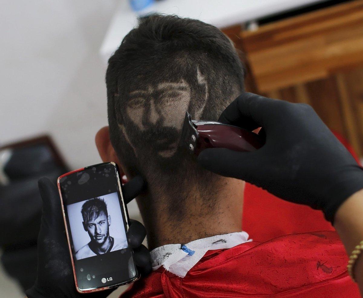 Болельщик выстриг Неймара на затылке (Фото) - изображение 1