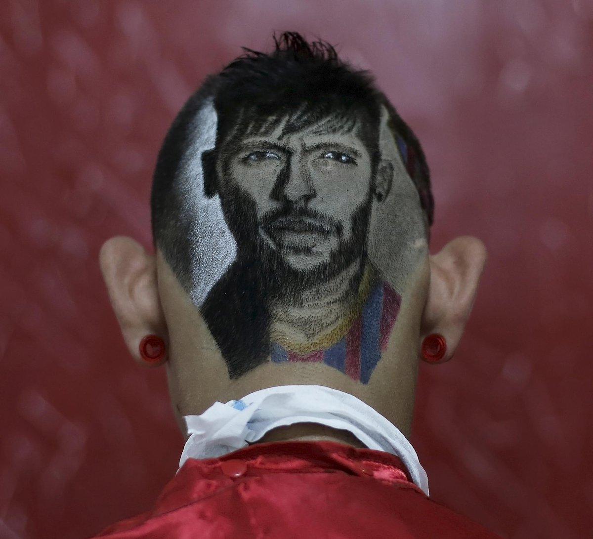 Болельщик выстриг Неймара на затылке (Фото) - изображение 4