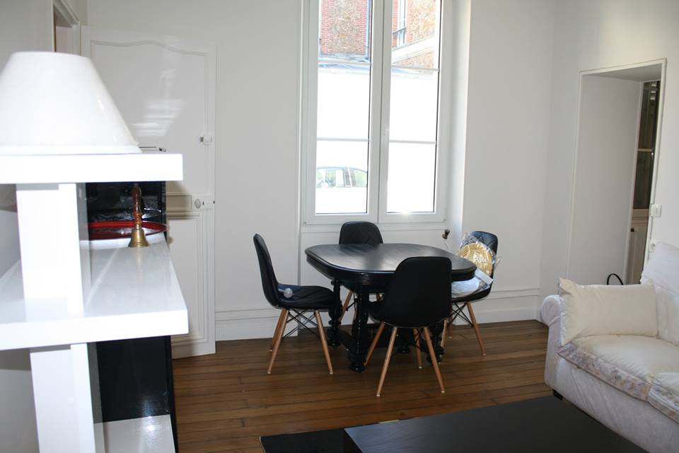Robyn On Twitter Insead Housing Fontainebleau Available For The Month Of June One Bed Apartment In City Center T Co A6mf5ekrna