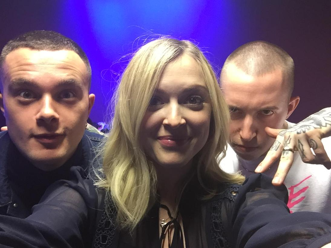 In the live lounge today @Slaves SHUTDOWN #r1slaves http://t.co/LuAmwELWbp