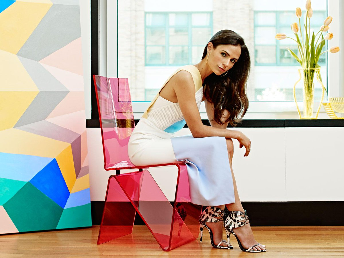 The May color issue is here! Visit @JordanaBrewster in NYC + brilliant spaces in every style: http://t.co/qaa0rfyP7L http://t.co/i8mjhso23H