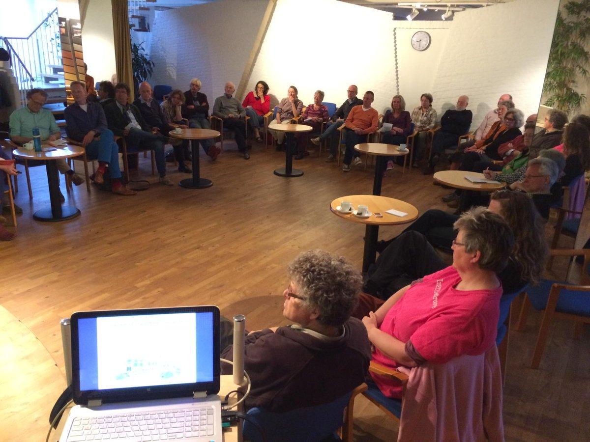 Het publiek tijdens de presentatie bij de VIBA
