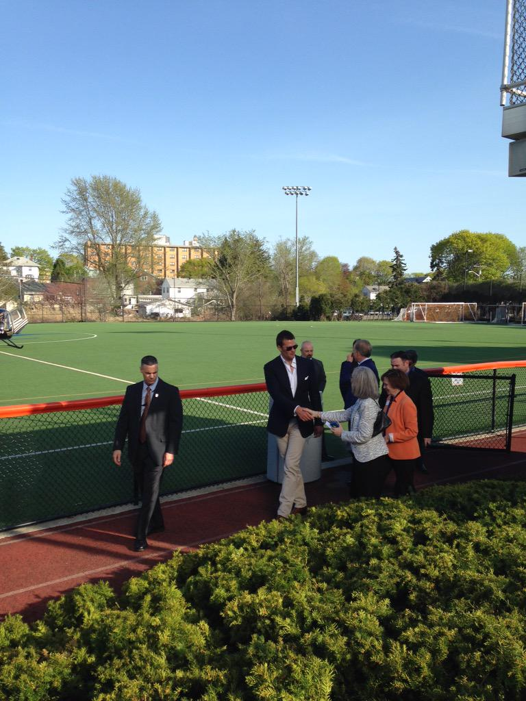 Tom Brady has landed at Salem State! #touchdown http://t.co/MW789R2wDJ