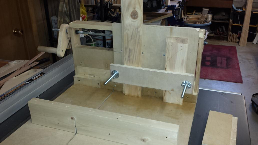 Deryck Kennedy On Twitter Reconditioned Boxjoint Jig Woodworking Youtube Vid Meremortalsww Jaybates86 Drunkenwood Homemadetools Http T Co 4xjo3yarfg