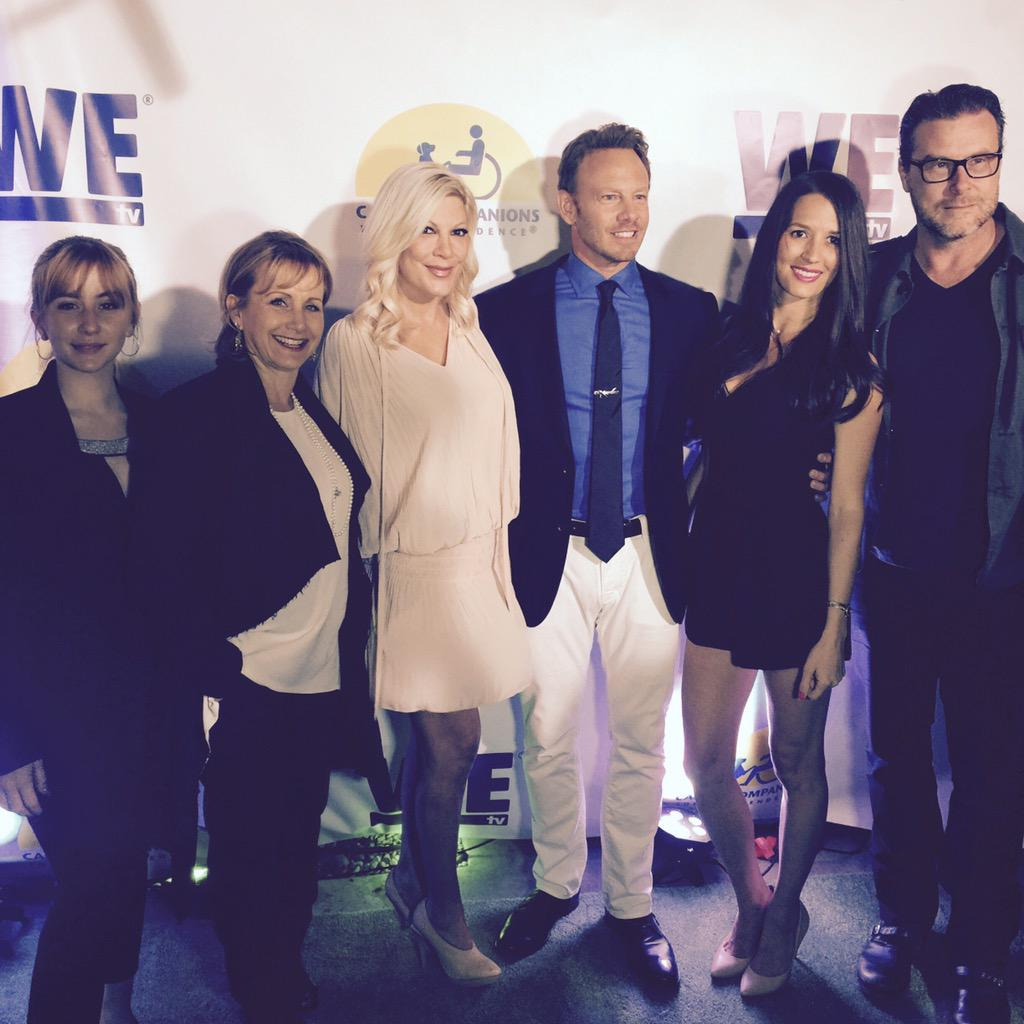 Great seeing you all again! #K9companions #togetheragain #90210 @Tori_Spelling @IanZiering @Mollieisaacs17 http://t.co/vQi5PnKGtu