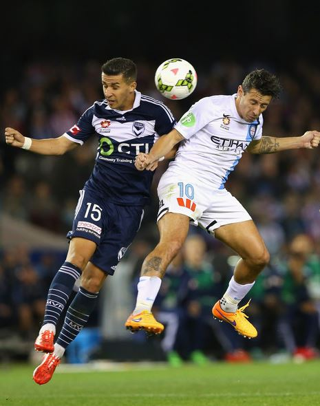 Georgievski contends with an opponent