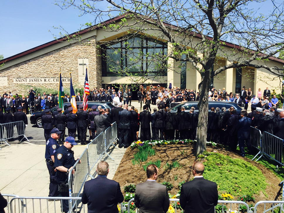 Brian Moore's body on the way to its final resting place. His memory lives among thousands who will never forget. http://t.co/ksEGVFQLE8