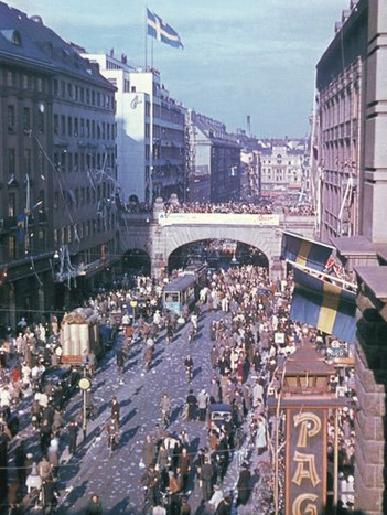 View images contributed to our map of V-E Day celebrations in 1945: http://t.co/br04I4ur1s #VEDay70 http://t.co/fss8MGHDS3