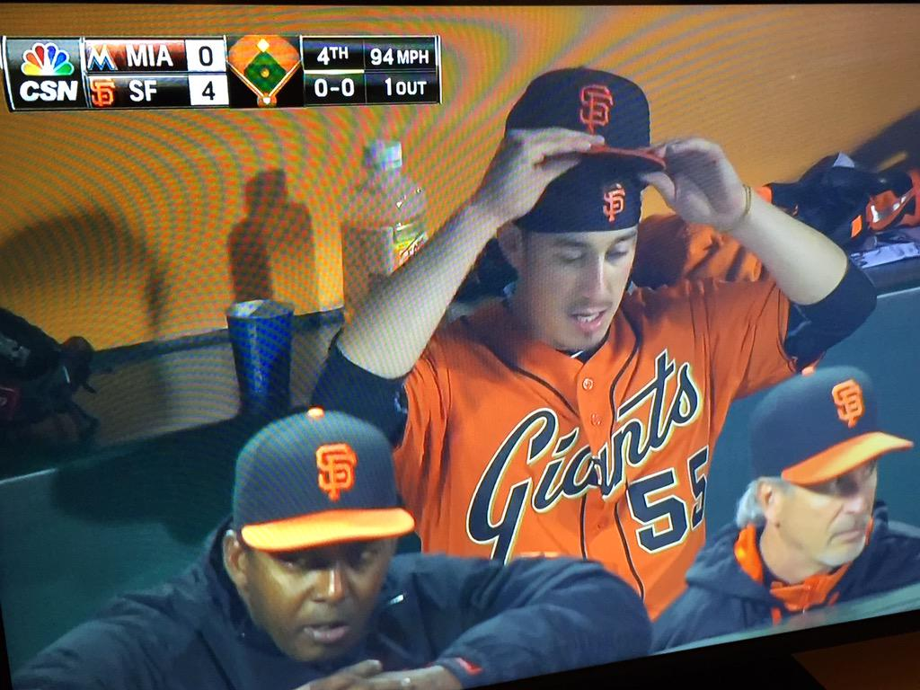 Tim Lincecum got that do-rag swag #sfgiants #mlb #theFreak http://t.co/nSrgnvy1cB