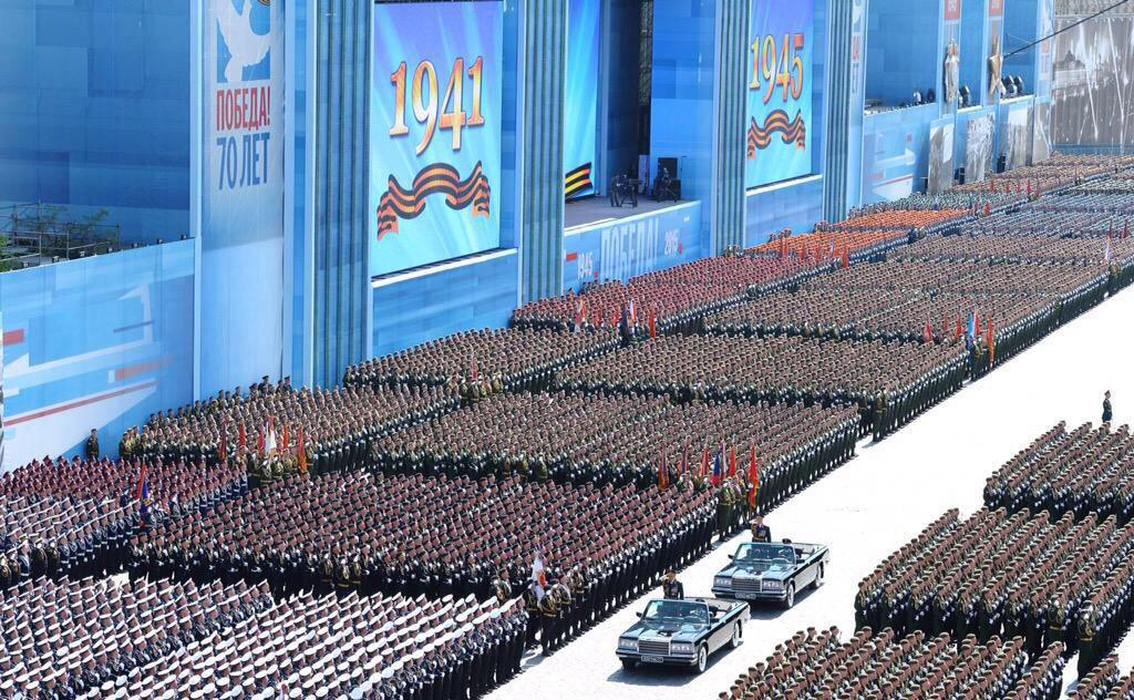 Aujourd'hui, nous aurions dû être à #Moscou en hommage au peuple #russe