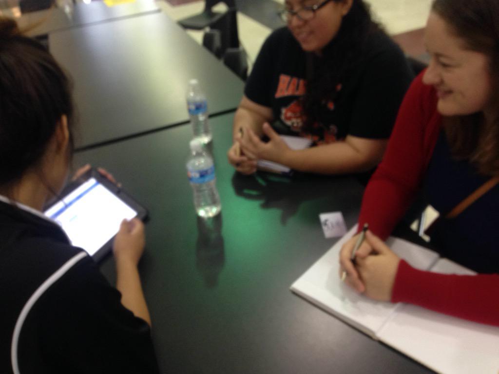 #Playdate15 teachers learning about #googleclassroom from @ManorHighSchool students #manorisd http://t.co/THK7u2etwG