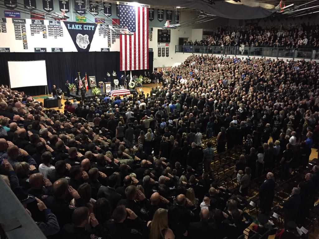 Pledge of Allegiance. You can watch the service on http://t.co/y9Wagh6WYd. #SgtMoore http://t.co/OpXM61jr1Q
