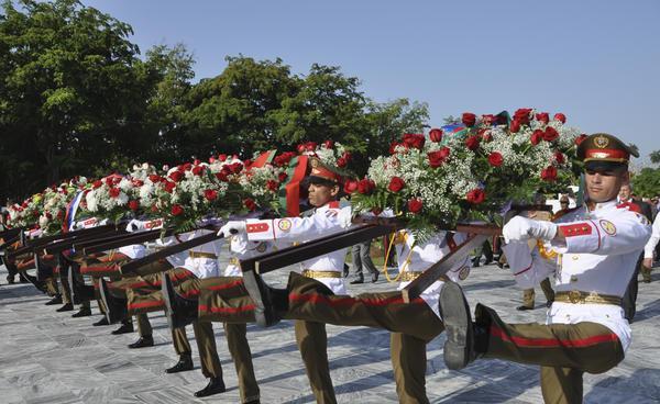Celebran ceremonia militar en Cuba en homenaje a Día de la Victoria soviética (+fotos)