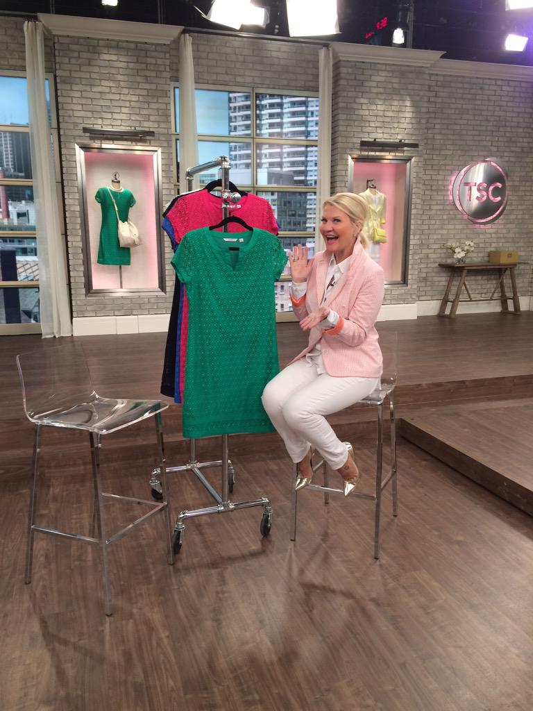 The #lace dress that's taking over #Canada. From @IsaacMizrahi on @theShoppingChan. xx http://t.co/k1JihSVhex