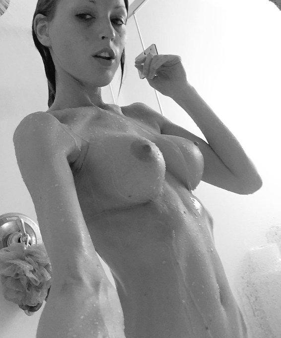 Get my snapchat in my @manyvids store! #showertime #snapchatnudies #BadGirl #SexySaturday #RT https://t