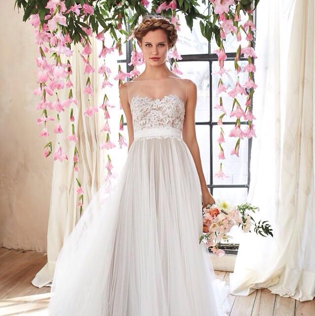 Frocks Modern Brides (@ilovefrocks)