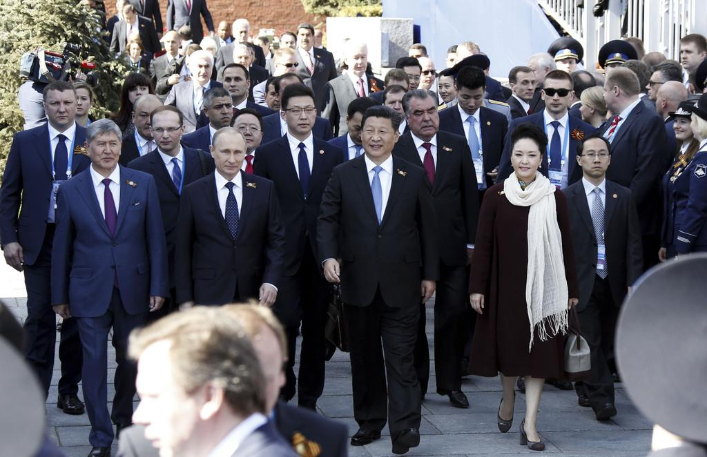 Xi in Moscow: moments from Russia's #VictoryDay parade http://t.co/OusWqviYVq #Putin #WWII