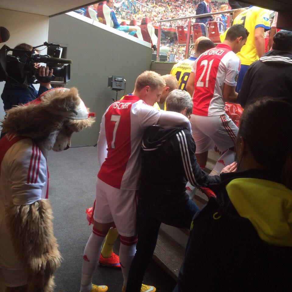Tottenham Vs Ajax Live Stream Twitter: Ajax's Team Walked Out On The Pitch V Cambuur With Their