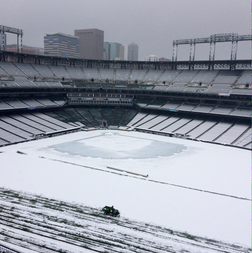 So the #Dodgers & #Rockies will attempt to play in this today. http://t.co/F0RB4UqK7O