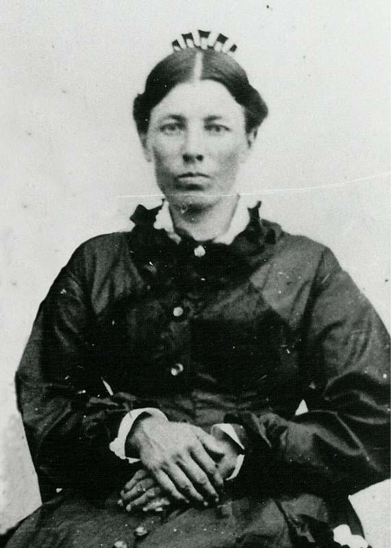 laura ingalls wilder Laura ingalls wilder was born in the wisconsin woods in 1867 she wrote the little house books based on her own experiences growing up on the western frontier.