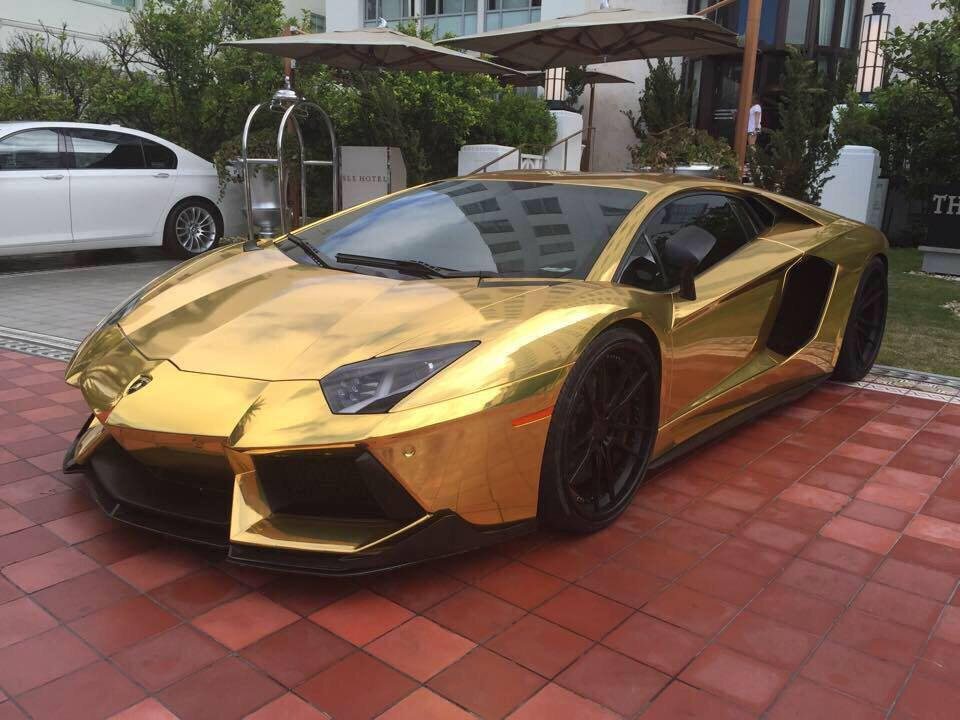 really nice cars on twitter gold lamborghini aventador. Black Bedroom Furniture Sets. Home Design Ideas