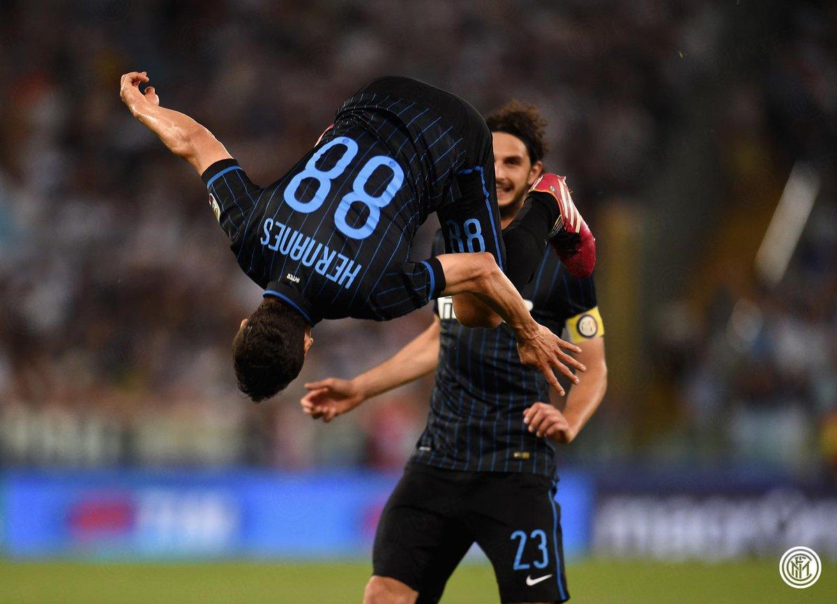 Calcio Serie A: l'Inter espugna l'Olimpico con la Lazio in 9 uomini