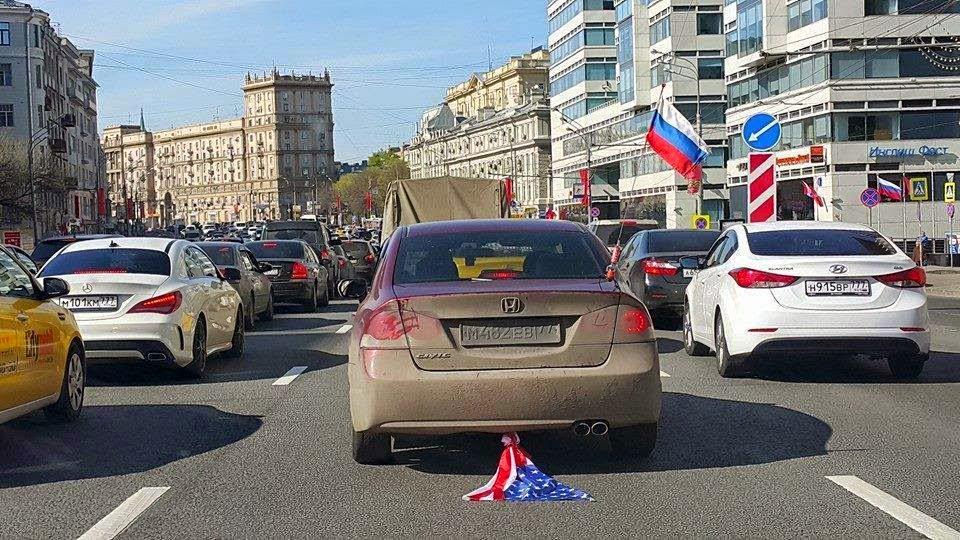 """Украина ожидает жесткую реакцию международного сообщества на """"парад"""" в Донецке с участием запрещенной тяжелой техники, - Порошенко - Цензор.НЕТ 3838"""