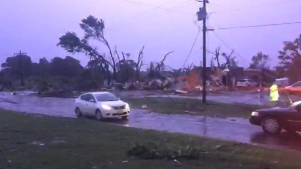 BREAKING: 26 people rushed to hospitals after Van, TX tornado. More people may be trapped in damaged homes @NBCDFW http://t.co/fw5iN1Nq5A