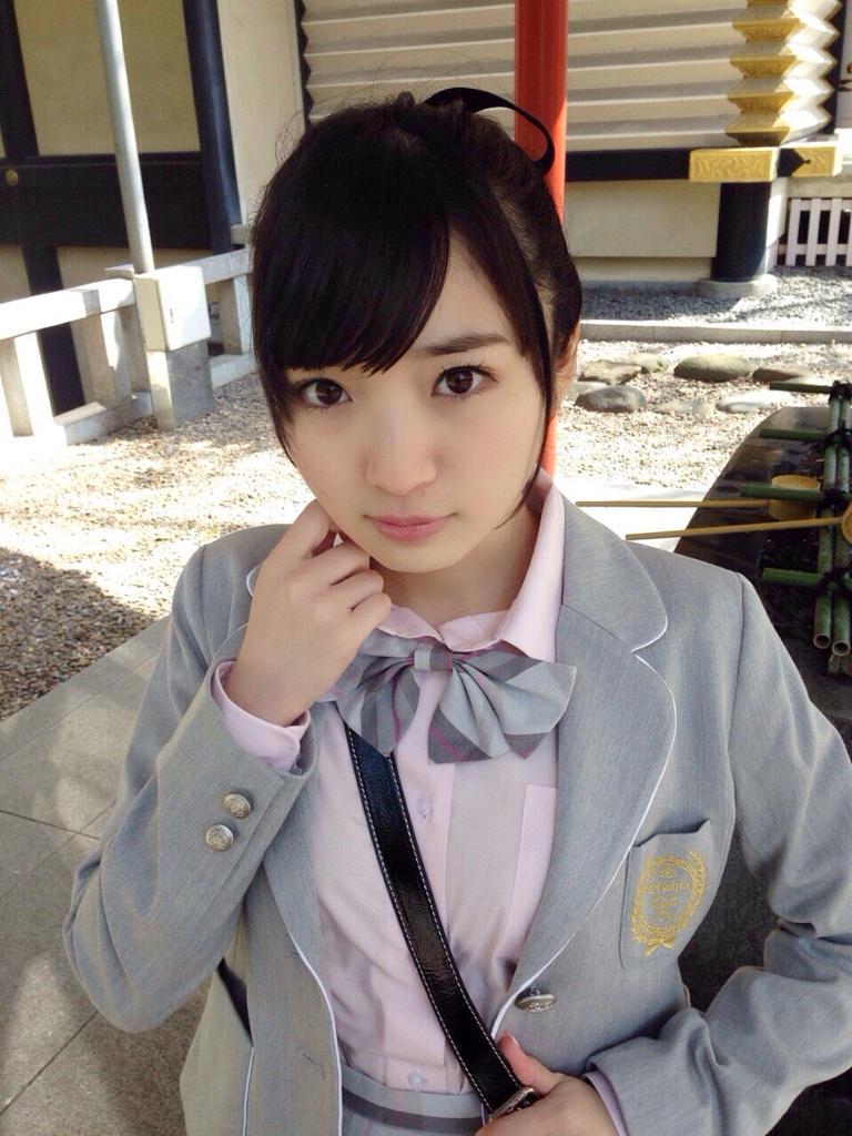 可愛い制服を着ている豊田萌絵の画像♪