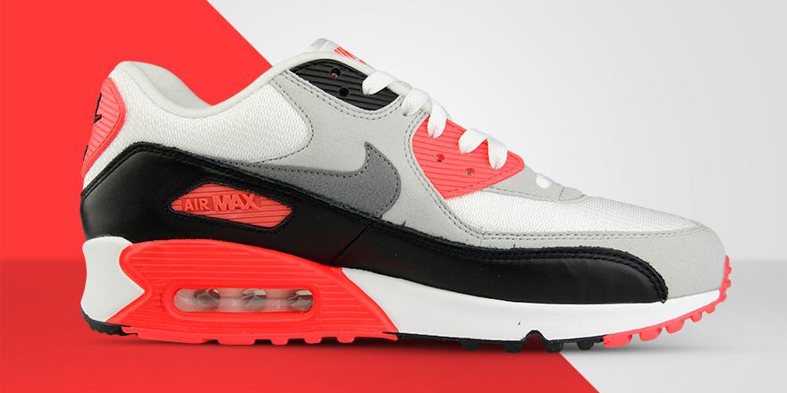 reputable site 3c36f 24a43 ... reduced foot locker eu on twitter the nike airmax 90 is back in its  iconic infrared