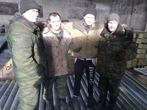 В Харцызске и Торезе вооруженные российские наемники сбиваются в банды и мародерствуют, - Тымчук - Цензор.НЕТ 1927