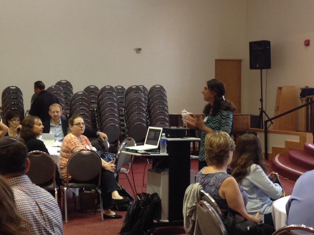 @edtechworkshop starting her keynote @edjewcon http://t.co/k3gFsAsRob