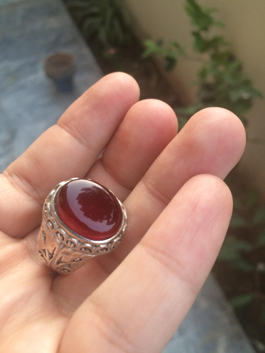 a stone three ring maroon is wise engagement article wedding rings what option jewelry